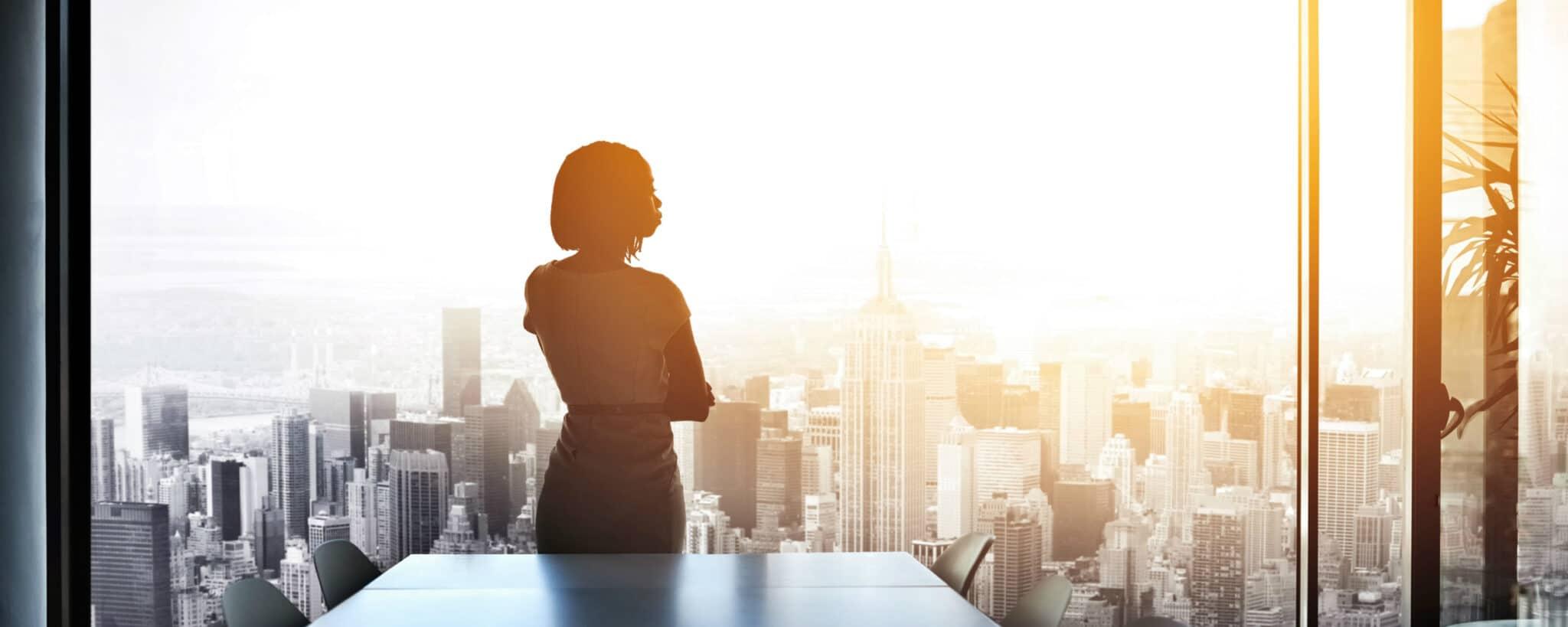 Weibliche Führungskräfte in der Werbebranche geben wertvolle Tipps für Frauen am Anfang ihrer Karriere
